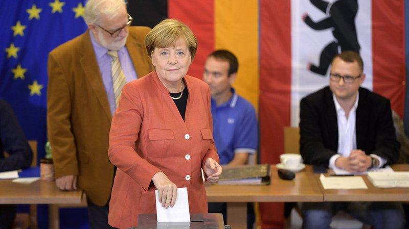 Législatives allemandes: Angela Merkel a voté, mais pas pour elle