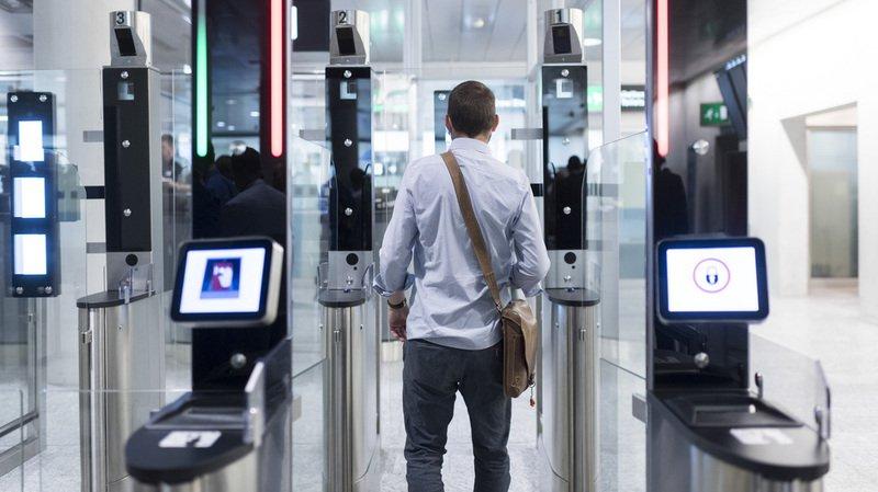 Détecteurs de visage activés à l'aéroport deZurich