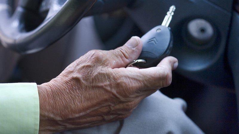 les détenteurs d'un permis  de conduire des catégories  non professionnelles doivent  se soumettre tous les deux ans  à un examen médical à partir  de 75 ans, et non plus 70 ans comme c'est le cas actuellement.