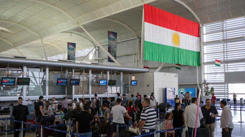 De nombreuses personnes se pressaient, hier, à l'aéroport d'Erbil.