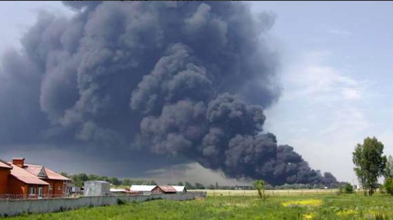 Dépôt de munitions ravagé par le feu en Ukraine: