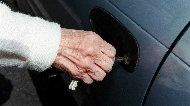 Dès 2019, les examens médicaux pour la conduite devront se faire tous les deux ans depuis l'âge de 75 ans, contre 70 actuellement. Ainsi en ont décidé les Chambres fédérales.