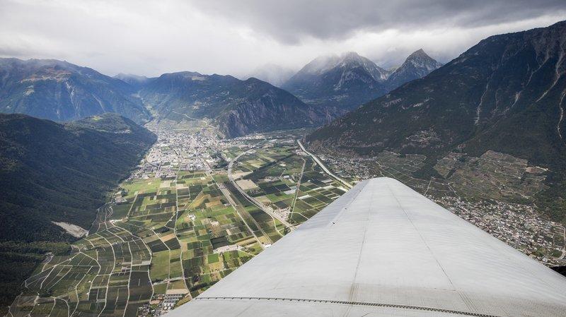 Le DC-3 a bouclé son périple en Valais. Il lance au passage l'Airshow qui aura lieu dès ce vendredi à Sion.