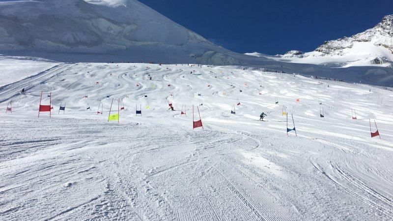 Ski alpin: pris d'assaut par de nombreuses équipes en camp, le glacier de Saas-Fee est saturé l'été