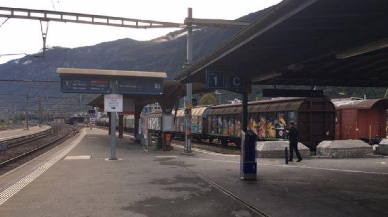 Un ressortissant français de 24 ans électrocuté en gare de Martigny après être monté sur le toit d'un train