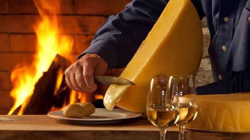Trois fromages à raclette AOP Valais médaillés au Concours des produits du terroir