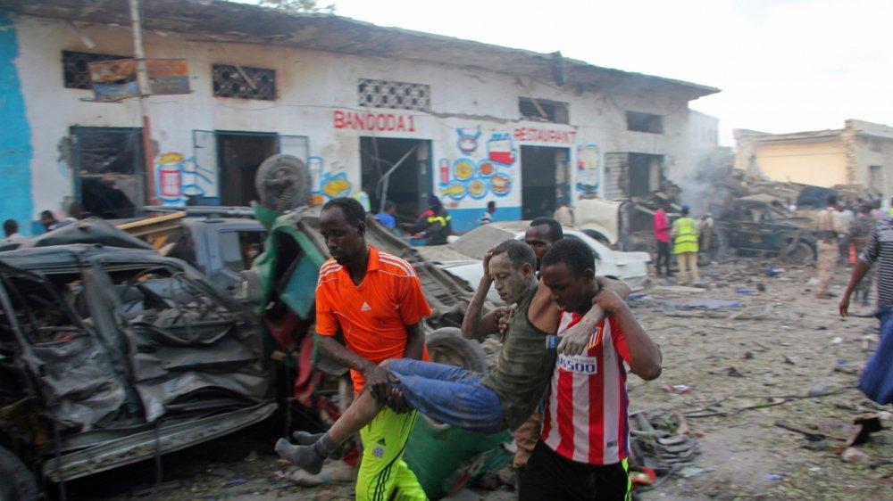 Des blessés ont été évacués juste après une double explosion.