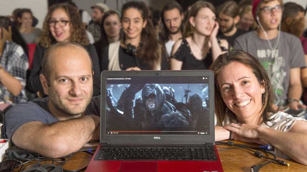 Stéphane Assadourian et Andréane Meunier prodiguent leur savoir aux étudiants de l'EPAC.