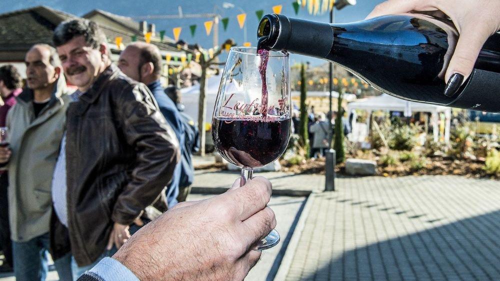 A l'image de cette humagne rouge de Leytron, les vins valaisans contribuent grandement à l'excellente renommée de l'ensemble de la production helvétique.
