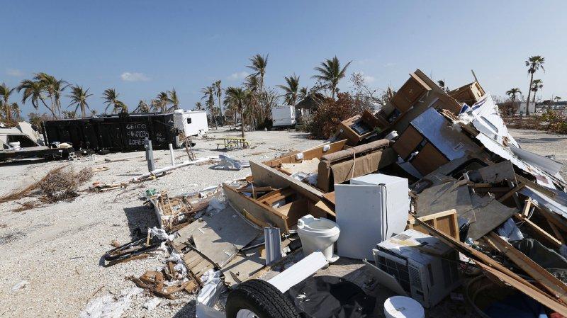 Etats-Unis: 36,5 miliards de dollars pour les régions victimes des ouragans