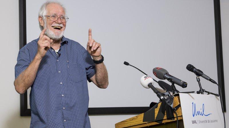Nobel de chimie: le Vaudois Jacques Dubochet reçoit le prix avec humour