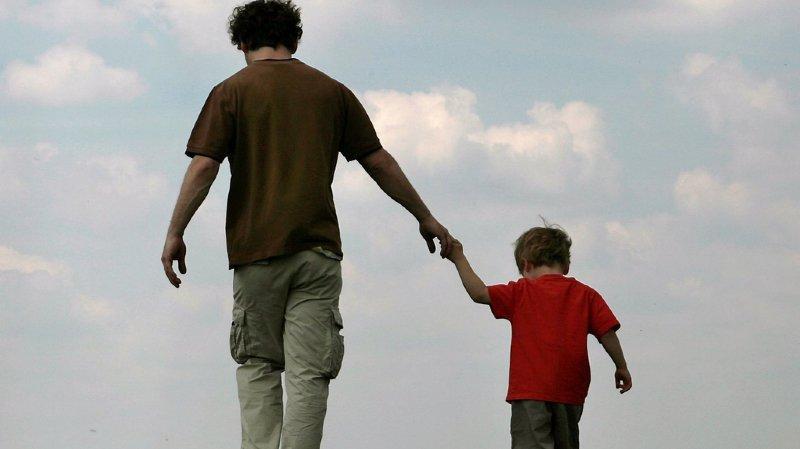 Dans les pays européens, la fécondité masculine se situe en moyenne entre un et deux enfants.