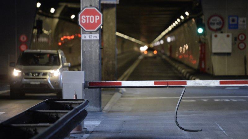 La barrière du tunnel du Grand-Saint-Bernard ne se rouvrira pas avant le 30 novembre prochain.