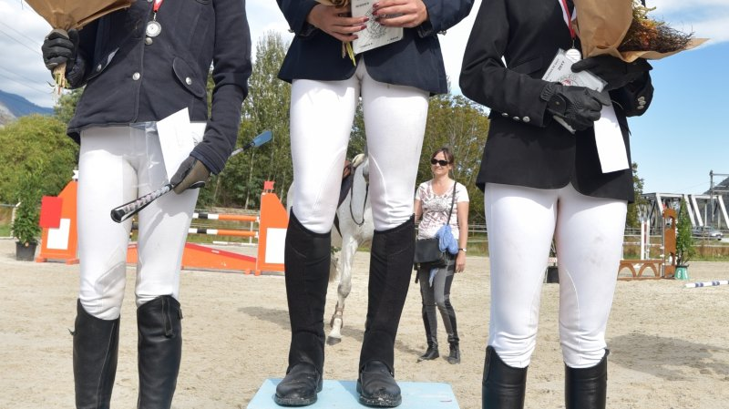 Le podium de la catégorie brevet: Elisa Jordan, Pauline Laterza et Noémie Héritier.