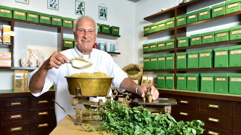 Dominique Garrone compte plus de 40 ans de pratique en droguerie et herboristerie.