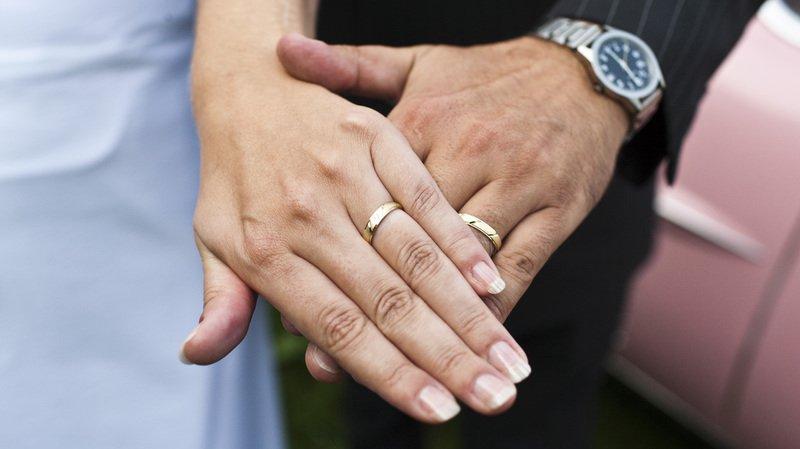 Impôts: les couples mariés ne devraient plus être pénalisés par rapport aux concubins