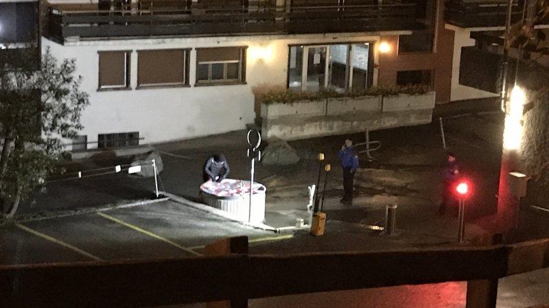 Grosse opération policière à Haute-Nendaz: un corps aurait été trouvé dans un Molok