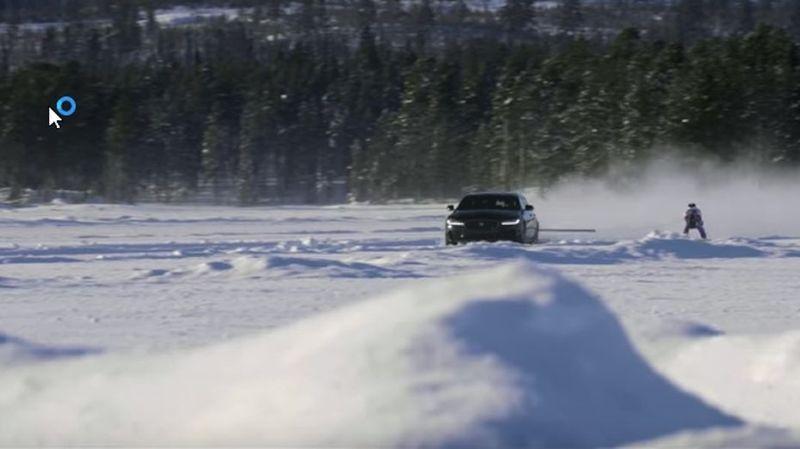 La performance s'est déroulée à quelques dizaines de kilomètres du cercle polaire, par -28°C.