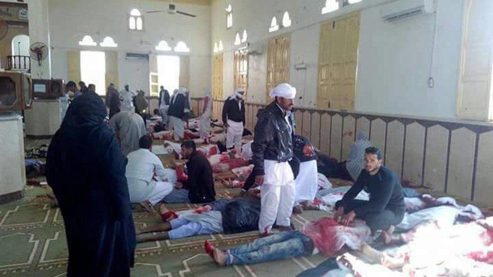 Les images des corps ensanglantés étaient diffusées en boucle sur les télévisions égyptiennes dès le début d'après-midi hier.