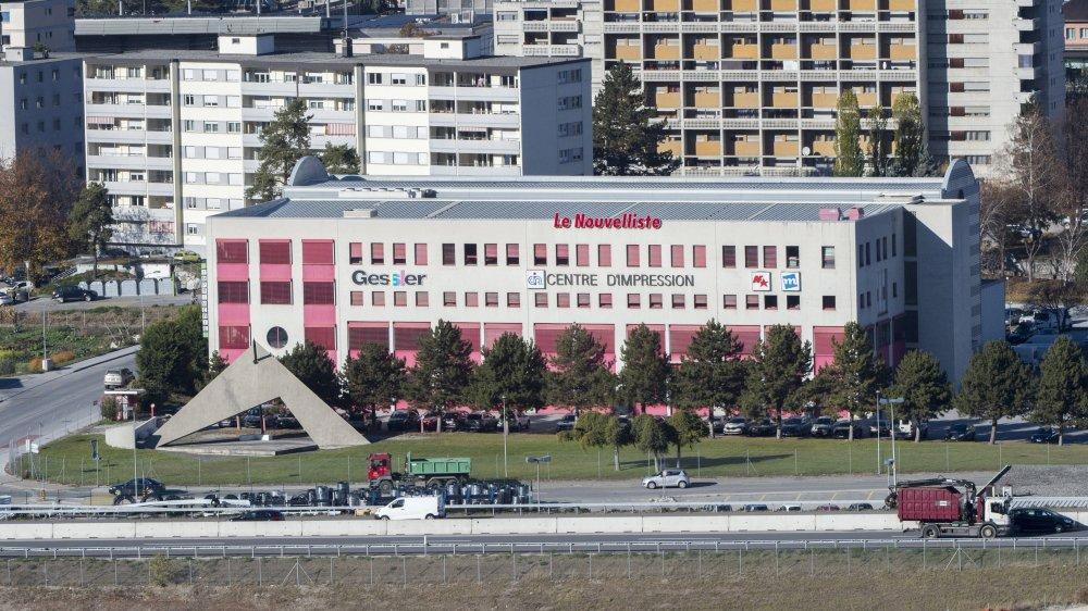 L'actuel Centre d'impression des Ronquoz, racheté par l'EPFL, accueillera entre huit et dix chaires spécialisées sur les environnements alpins et polaires dès 2021.