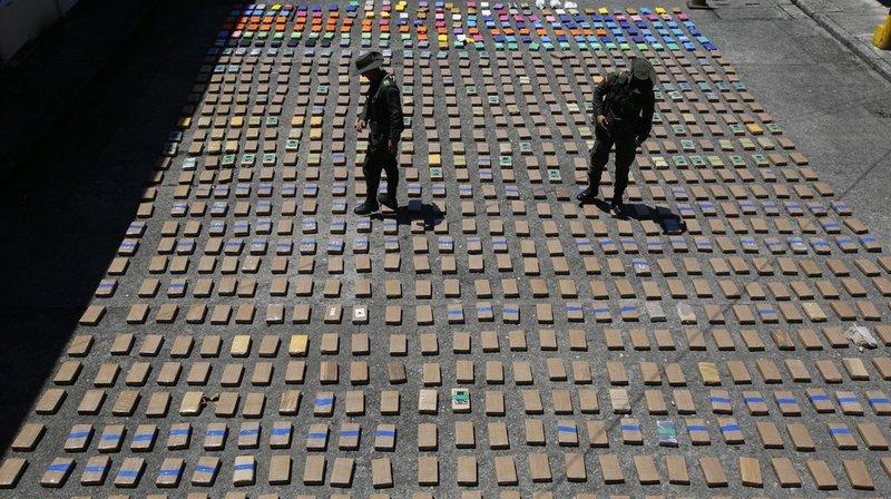 Colombie: saisie record de 12 tonnes de cocaïne enfouies sous terre