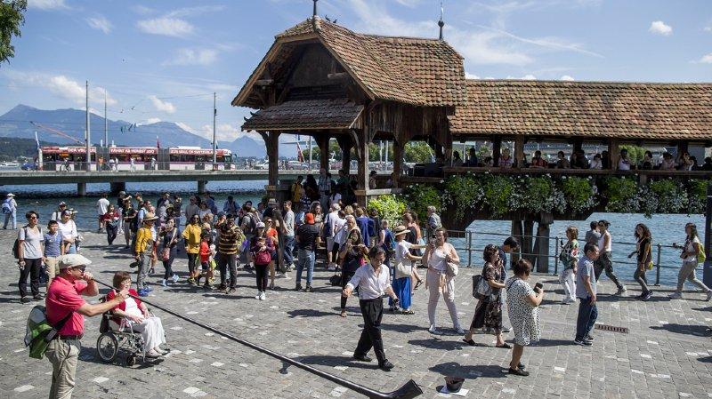 La Suisse doit davantage miser sur le tourisme individuel que sur les voyages de groupes