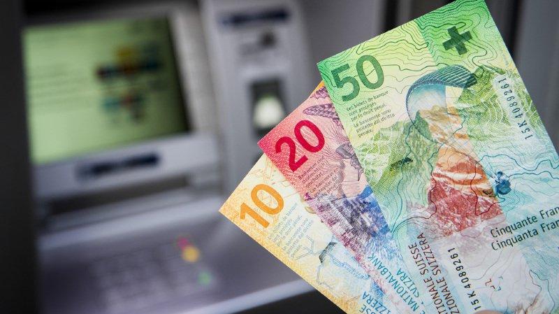 A cause de la hausse des primes maladie, le revenu disponible des ménages suisses recule
