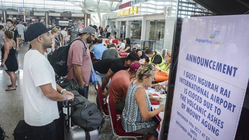 Indonésie: les touristes bloqués par l'éruption du volcan Agung à Bali pourront rentrer chez eux