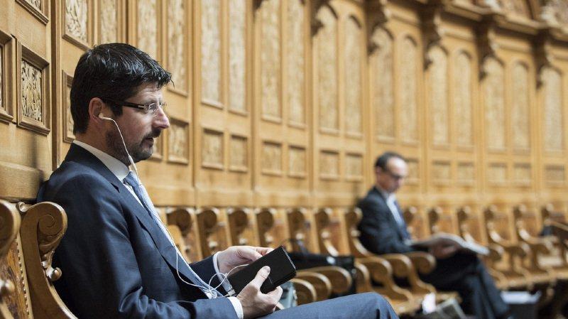 Affaire Yannick Buttet: le Valais reste sceptique après son retrait provisoire