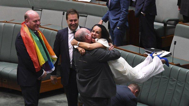 Australie: le parlement adopte la loi sur le mariage homosexuel