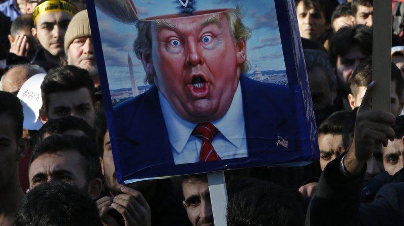 Les manifestants protestent contre l'annonce de Donald Trump sur le statut de Jérusalem.
