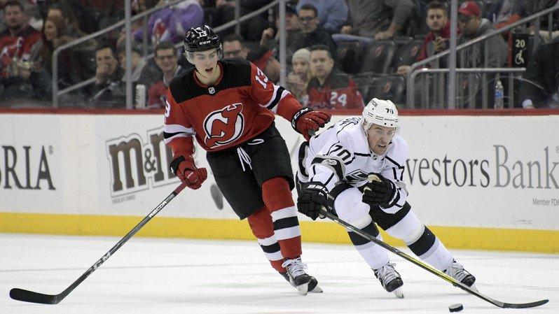Hockey: Nico Hischier et les Devils s'imposent 5-1 face à Los Angeles