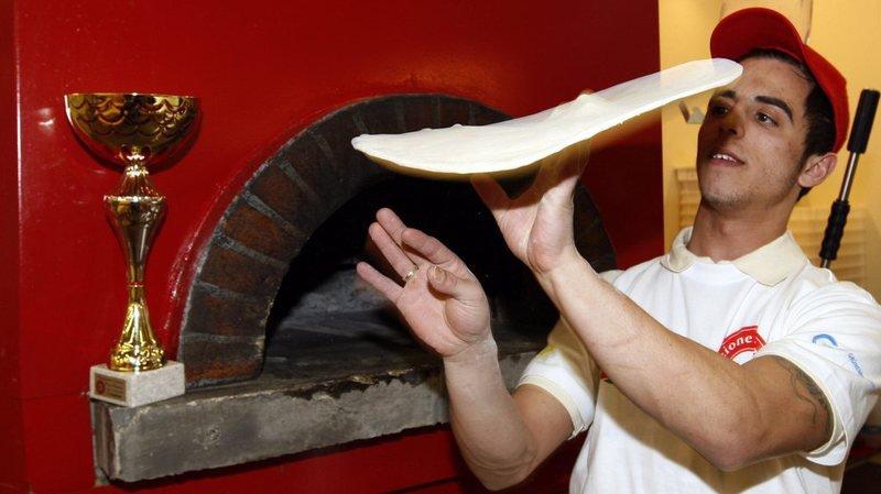 L'art de faire valser la pâte à pizza est désormais classé au patrimoine immatériel de l'Humanité.