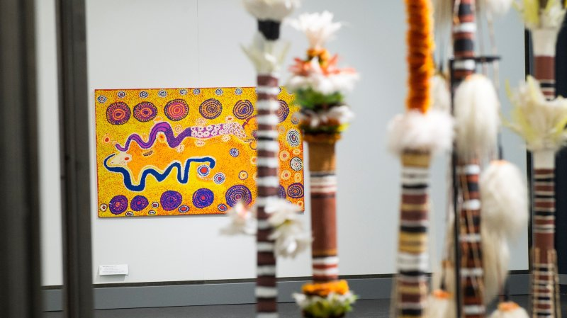 L'art aborigène illumine  la fondation Pierre Arnaud