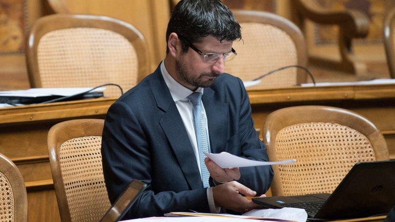 Yannick Buttet a affronté le Parlement jeudi. Il a demandé à être démis de ses fonctions de vice-président du PDC suisse. L'onde de choc est énorme sous la Coupole.