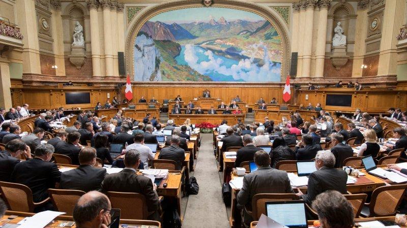 Une circulaire verte, glissée hier sur les pupitres des élus du National et des Etats, informait les parlementaires sur le Centre pour le mobbing et le harcèlement.