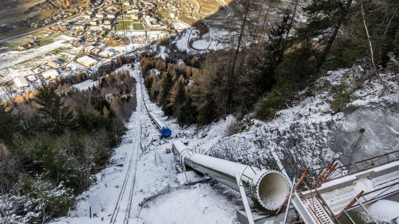 Le chantier de réhabilitation de l'aménagement hydroélectrique des FMO est en cours. Ici, on voit la nouvelle conduite forcée qui sera mise en service courant 2018.
