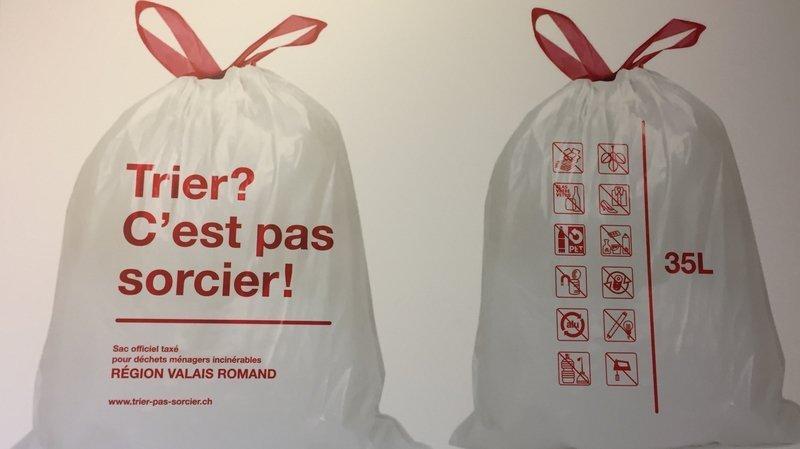 Taxe sur les déchets: le sac officiel est désormais en vente
