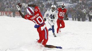 Foot américain: les images incroyables d'un match de NFL en pleine tempête de neige