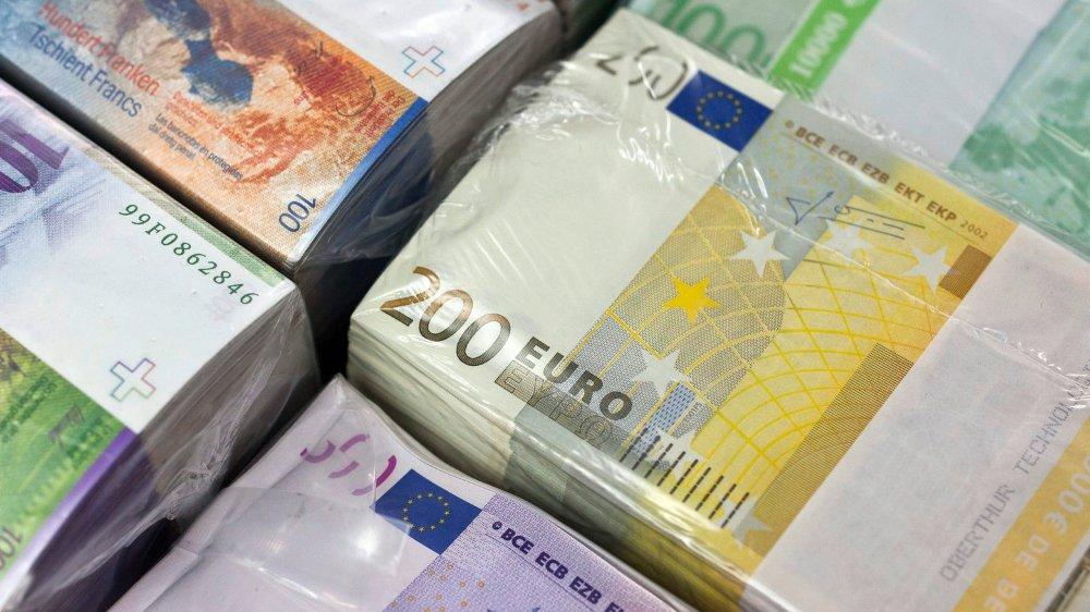 L'évolution du cours franc-euro est notamment due au renforcement de la monnaie unique.