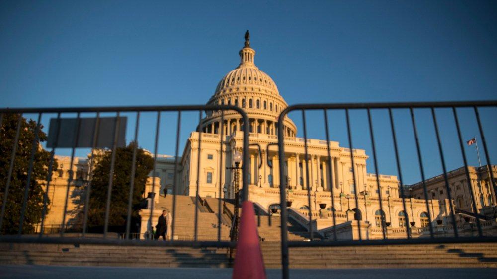 L'origine de ce «shutdown» est un bras de fer entre les démocrates et les républicains au Congrès, notamment sur la politique migratoire.