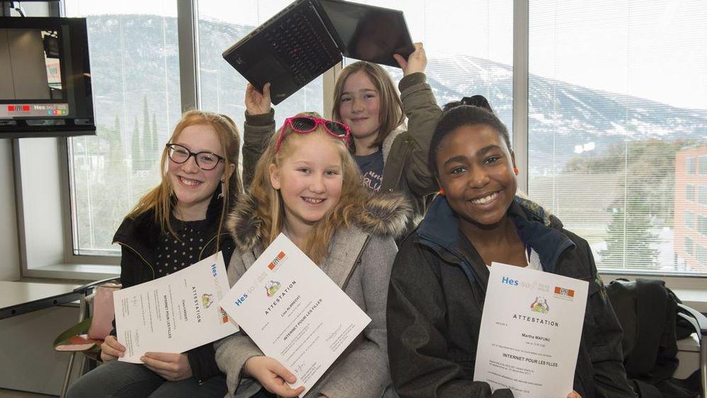 Elles sont 72 filles de 9 à 12 ans a avoir décroché samedi leur premier diplôme HES-SO-EPFL en informatique