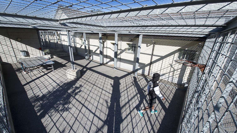 Même après avoir été placé en détention au centre LMC de Granges, avant d'être renvoyé au Portugal, cet homme est revenu ensuite en Valais.  (Image d'illustration)