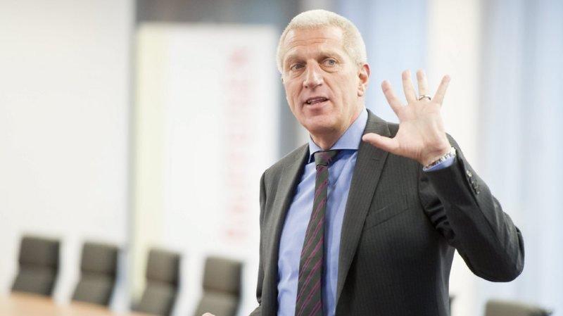 L'ancien directeur général de Raiffeisen veut éviter toute insécurité à l'assureur saint-gallois.
