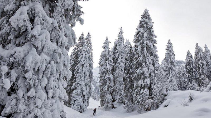 Un randonneur à skis de 57 ans est tombé alors qu'il gravissait le Mutteristock, dans le canton de Glaris.