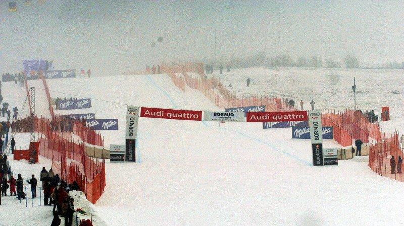 Les chutes de neige ont rendu impossible la deuxième séance d'entraînement. En 2003, la descente avait dû être annulée (photo), il ne semble pas que ce sera le cas demain jeudi.