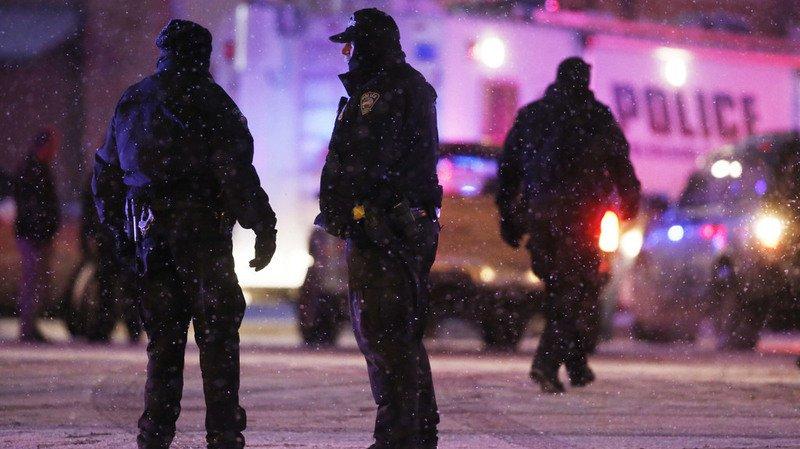 Sur les six blessés, deux sont des civils et les quatre autres des policiers.