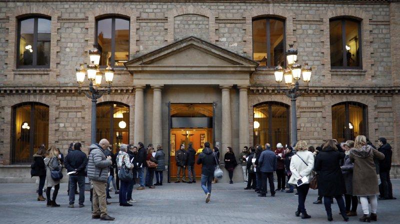 Catalogne: les bureaux de vote ont ouvert jeudi matin