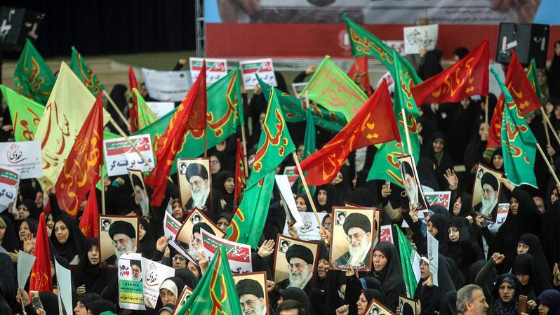 Les défilés pro gouvernementaux font suite à deux jours de manifestations contre la vie chère, à Téhéran et dans d'autres grandes villes du pays.