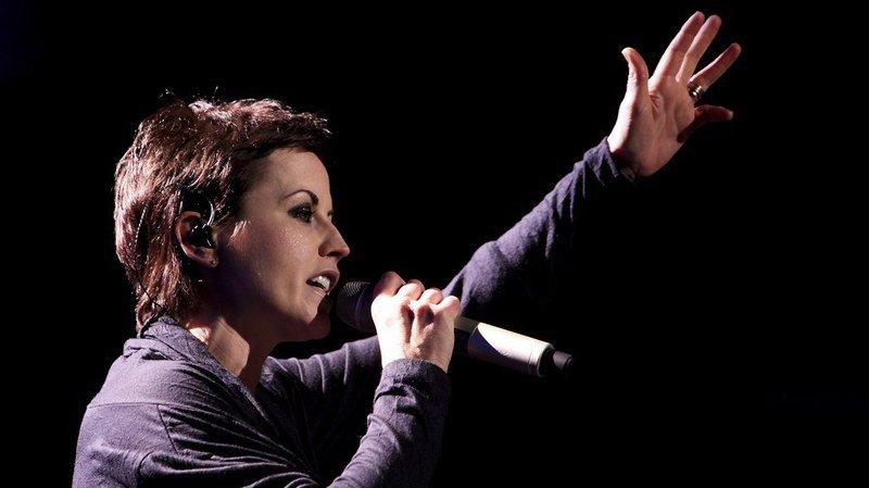 Musique: des milliers de fans rendent hommage à Dolores O'Riordan, la chanteuse des Cranberries